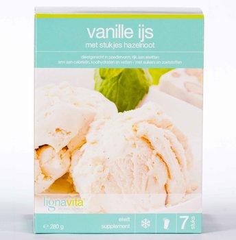 Ijs vanille met stukjes hazelnoot
